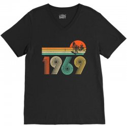 apollo 11 50th anniversary moon landing 1969   2019 vintage V-Neck Tee | Artistshot