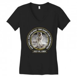 apollo 11 50th anniversary moon landing Women's V-Neck T-Shirt | Artistshot