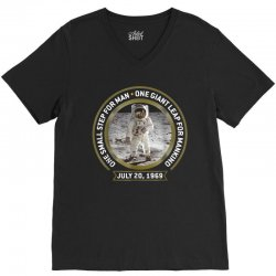 apollo 11 50th anniversary moon landing V-Neck Tee | Artistshot