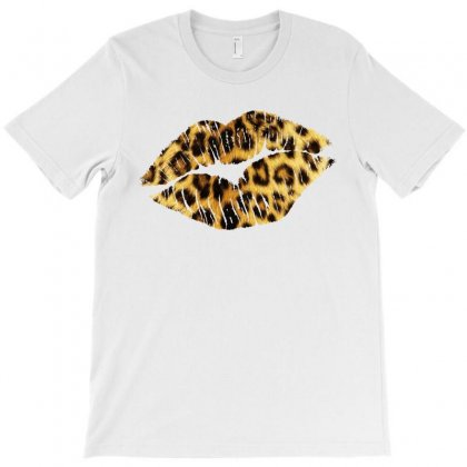 Leopard Texture Lip T-shirt Designed By Toweroflandrose