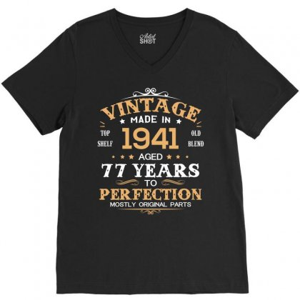 1941 V-neck Tee Designed By Hung