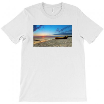 Sea Side T-shirt T-shirt Designed By Raag