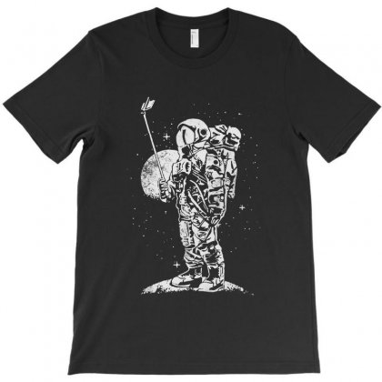 Selfie On The Moon T-shirt Designed By Rodgergise