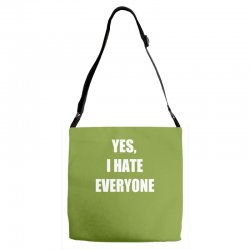 yes i hate everyone Adjustable Strap Totes | Artistshot