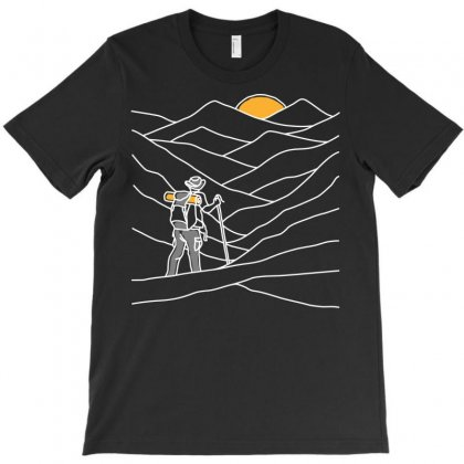 Hiking T-shirt Designed By Quilimo