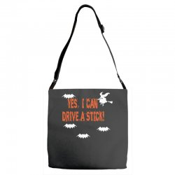 yes i can drive a stick Adjustable Strap Totes | Artistshot
