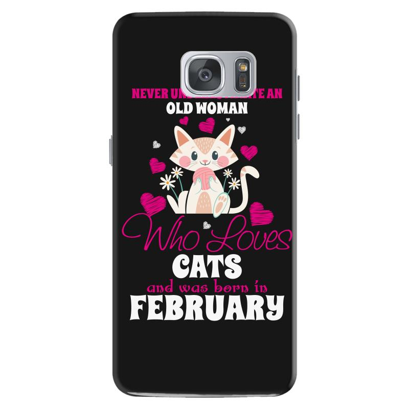 ad81a17e never underestimate an old woman who loves cats and was born in februa  Samsung Galaxy S7 Case