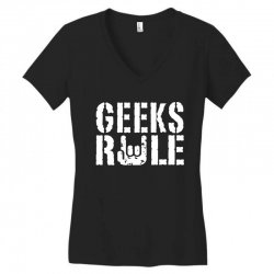 geeks rule Women's V-Neck T-Shirt | Artistshot