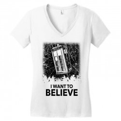 i want to believe tardis for light Women's V-Neck T-Shirt | Artistshot
