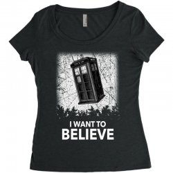 i want to believe tardis for dark Women's Triblend Scoop T-shirt | Artistshot