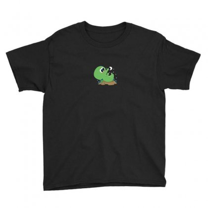 Cutethulhu Loves The Moon Youth Tee Designed By Ik1n