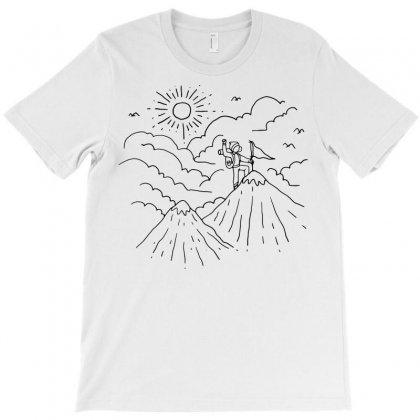 Mountain Hiker (for Light) T-shirt Designed By Quilimo