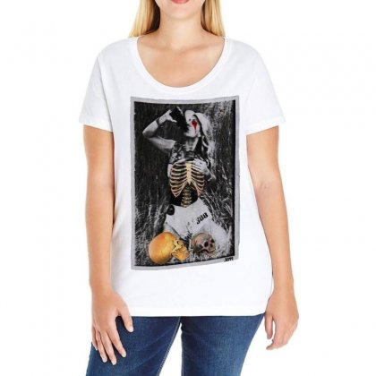 Unhealthy Ladies Curvy T-shirt Designed By Art Pirate