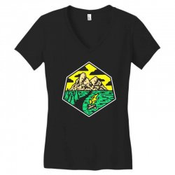 camp badge Women's V-Neck T-Shirt | Artistshot