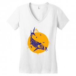 fish cracker Women's V-Neck T-Shirt | Artistshot