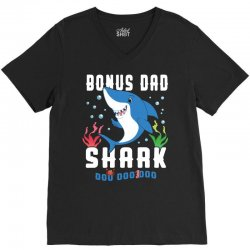 bonus dad shark family matching V-Neck Tee | Artistshot