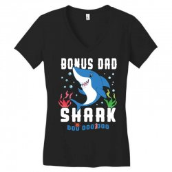 bonus dad shark family matching Women's V-Neck T-Shirt | Artistshot