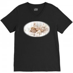 Woman  giving body massage toith aromatic can V-Neck Tee | Artistshot