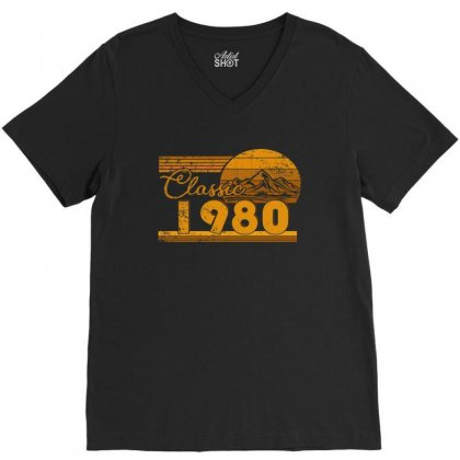 40th Birthday Classic 1980 40 Year Awesome V-neck Tee Designed By Beautifulcatshop