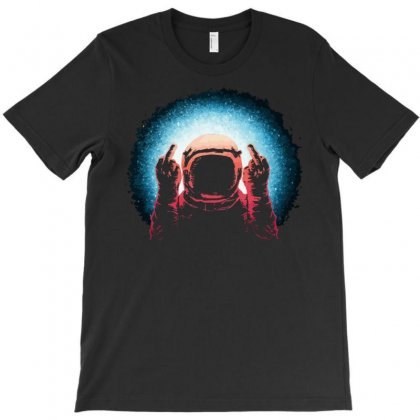 Negative Spaceman T-shirt Designed By Rendratedjo