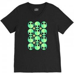 sad alien and daisy nineties grunge pattern V-Neck Tee | Artistshot