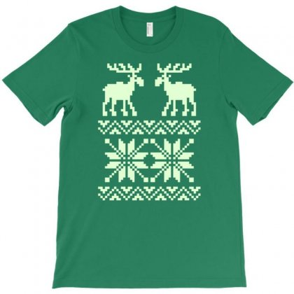 Moose Pattern Christmas T-shirt Designed By Gematees