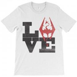 Love Skyrim T-Shirt | Artistshot