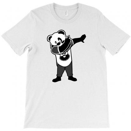 Panda Dabbin' T-shirt Designed By Vartdater