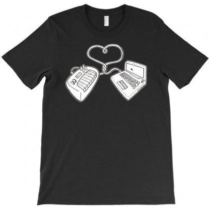 Usb Love T-shirt Designed By Ditreamx