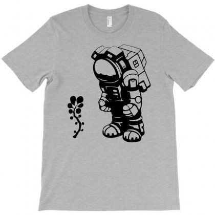 Starlit Astronaut In Black T-shirt Designed By Chilistore